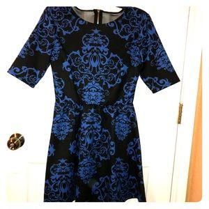 Blue and black dress. B.DARLIN. Mid long sleeve